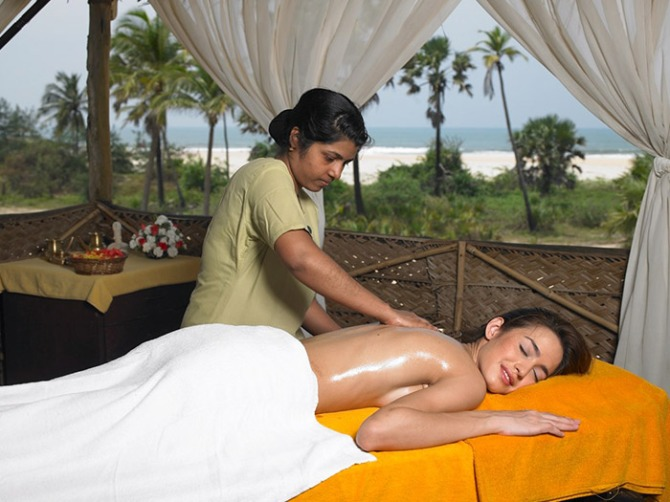 Shadesof Goa , Goa Touris, beaches, contests, competition, hotels Zuri, Luxury, travel, photographers contest, photography